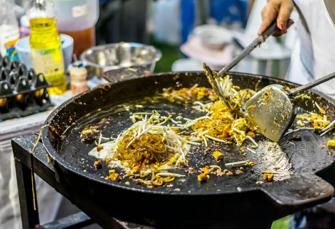 Autour du monde Street Bouche magazine Credit DUSIT PAICHALERM - Expériences gustatives thaïlandaises
